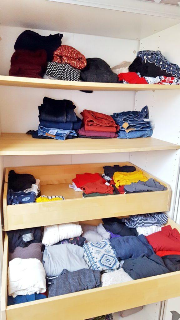 capsule wardrobe hallo minimalismus mode lifestyle mama blog. Black Bedroom Furniture Sets. Home Design Ideas